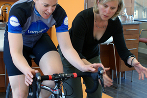 Body Works Bike fitting hands and upper body positioning on handlebars