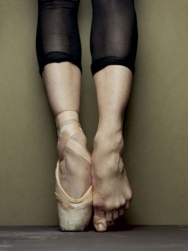ballet-dancer-feet