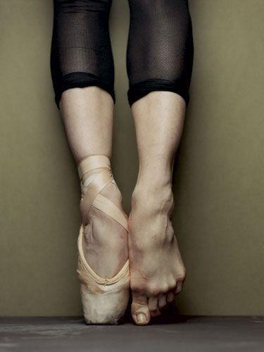 ballet-dancer-feet